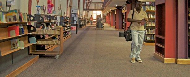 Suasana santai Perpustakaan Pusat Cape Town – foto Cape Town Magazine