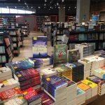 Minat Membaca Meningkat, Tapi Minat Membeli Buku Menurun