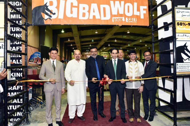 Majlis perasmian The Big Bad Wolf Sale di Karachi Jumaat lalu ~ foto News Update Times