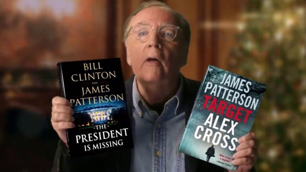 James Patterson bersama novelnya The President is Missing ~ foto ispotTV