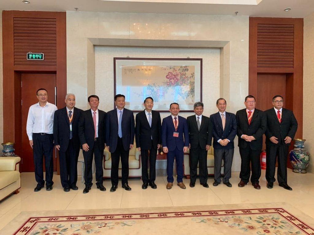 Dr. Maszlee berkunjung di pejabat Vice Minister, Publicity Department China, Jiang Jianguo ~ Foto Facebook Dr. Maszlee